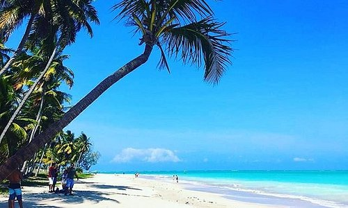 Caribe Brasileiro. Praia de Antunes com Almoço e passeio de Lancha.