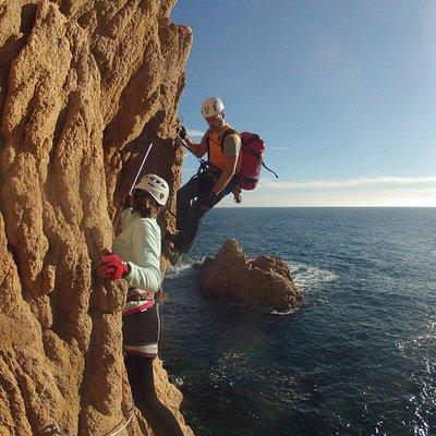 Cala del Moli   La Vía Ferrata más bonita de la Costa Brava, ya que su situación privilegiada sobre el mar Mediterráneo la hace única en Europa.