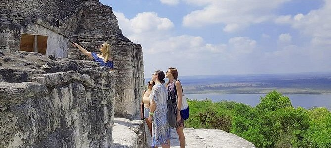 Private Tour: Yaxha One Day from Flores