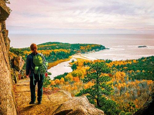 Unterwegs auf dem Beehive Trail im Acadia National Park, Maine: Definitiv eine der allerschönsten Wanderungen meines Lebens und im Indian Summer einfach nur traumhaft schön!