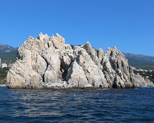 Вид на островок о стороны моря
