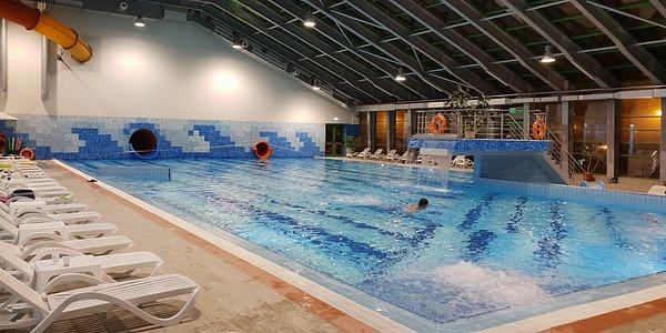 Indoor Pool by Cornisa AquaPark & Sports Botosani