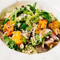 Салат с брынзой и печеным бататом
