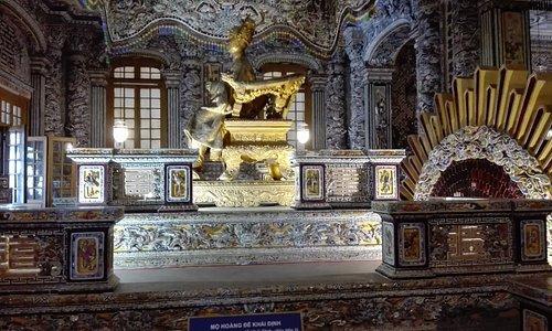 Sarcófago del emperador Khai Dinh