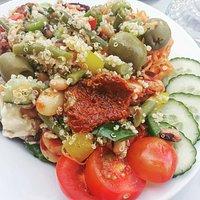 Super Superfood salad!🍊