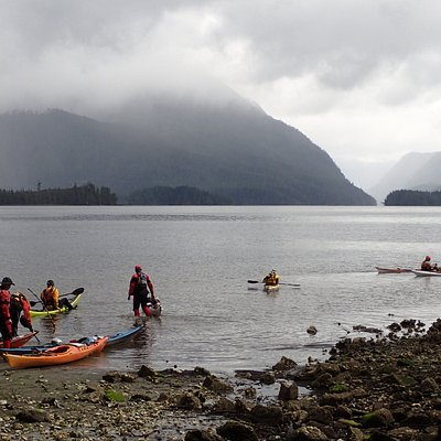 Toquart Bay into the Broken Group Islands