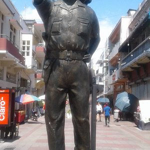 Imposing statue of Coronel Francisco Alberto Caamano in Santo Domingo