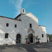 Esterno e interno della Chiesa