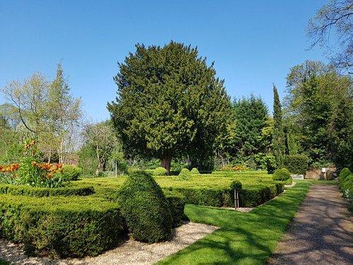 Castle Bromwich Hall Gardens, April 2019