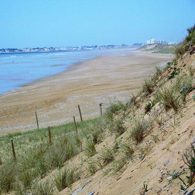 la plage avec vue sur St Gilles