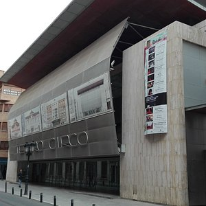 Fachada del Teatro Circo.
