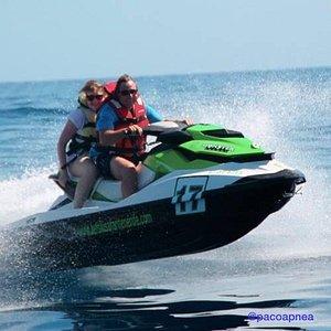 Jet sky moto acuática excursión y alquiler todo el año.