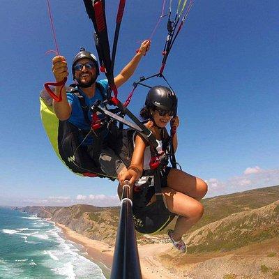 Tandem paragliding in Praia da Cordoama