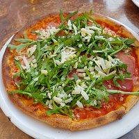 Pizza Parma 9,50 EUR