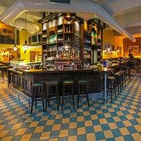 Ein Blick auf unsere Bar und Restaurantbereich.