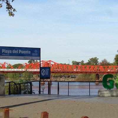 El puente desde la Costanera