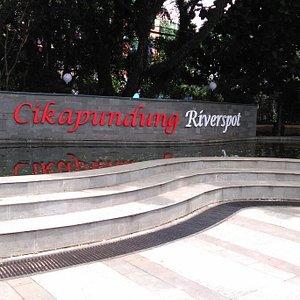 Plaza Cikapundung River Spot