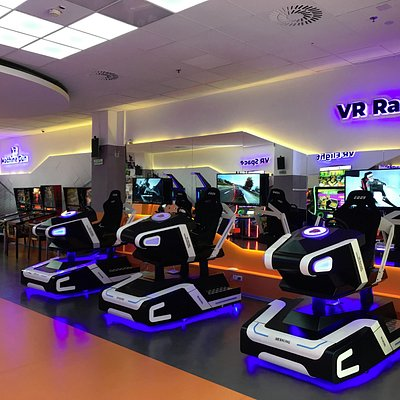 VR Racing -- a revolutionary gaming experience