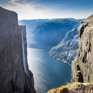 A majestic view from a cliff next to Kjeragbolten