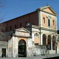 Esterni della Chiesa dei Santi Marcellino e Pietro ad Duas Lauros