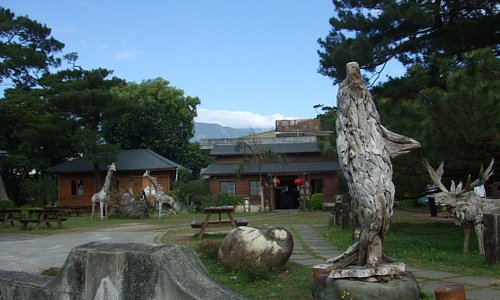 木製の動物たち