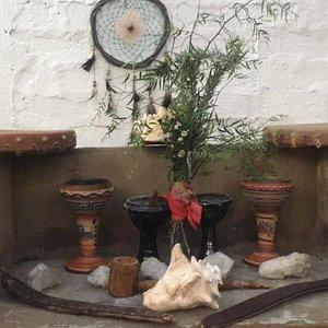 Traditionelles mexikanisches Dampfbad im Erdhaus Temazcal mit Heilpflanzen aus der Region. Zeremonie wird durchgeführt von einem mexikanischen Schamanen aus der Region. Sehr entspannend. Man fühlt sich wie neugeboren. Das Essen war auch super. Jederzeit wieder, eine echte Erfahrung
