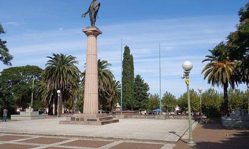 Monumento del Gral Artigas en la plaza que lleva su nombre