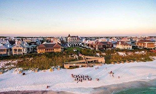 The Pearl hotel beach