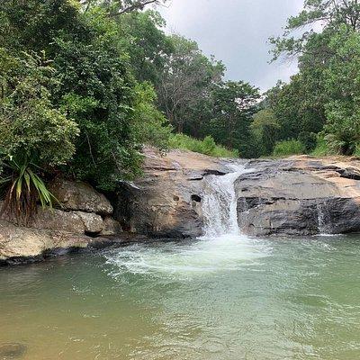 Wanderungen zum Wasserfall und zum Sonnenaufgang