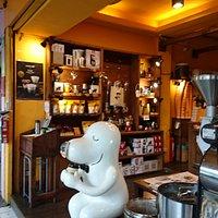 連鎖咖啡店外觀