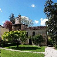 Accesso dal  giardino della Villa-Castello