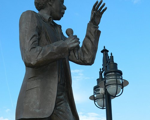 Richard Pryor Statue by Preston Jackson