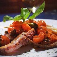 Il polpo alla Greca con pomodorini & Capperi