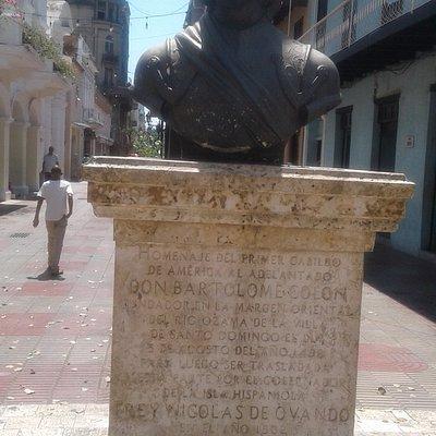 Statue of Bartholomew Columbus on Calle el Conde