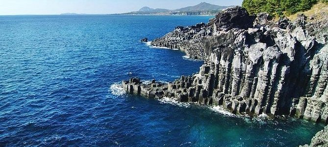 UNESCO Small Group Day Tour of Jeju Island - South Course