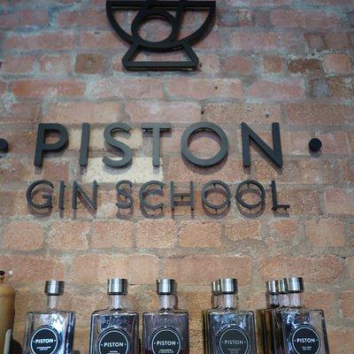 Piston Gin