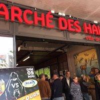 Caratteristico mercato alimentare che si svolge il sabato mattina alle spalle du marche' des Halles di Chambray. Da visitare !