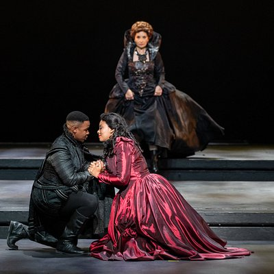 Cape Town Opera's production of Maria Stuarda staged in September 2018 at the Artscape Opera House. Photograph by Kim Stevens  CONDUCTOR KAZEM ABDULLAH 26 SEPT CONDUCTOR MARVIN KERNELLE 29 SEPT DIRECTOR MATTHEW WILD SET DESIGN MICHAEL MITCHELL LIGHTING DESIGN KOBUS ROSSOUW COSTUME DESIGN MARITHA VISAGIE ASSISTANT SET DESIGNER CHRISTIAAN HARRIS