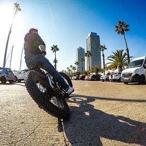 Boom!! BIG BIKE Electric - Fat Tyre Bike!  MondoRent Barcelona.
