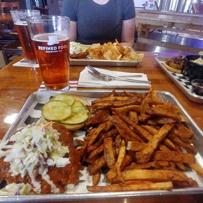 Burger and fries and Beer at Refined Fool. Roguetrippers.