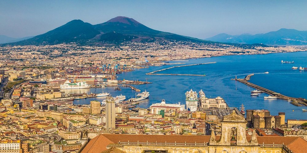 Follow in the footsteps of emperors and make Naples your royal retreat. The sparkling sea and iconic Italian culture make this city a beloved destination.