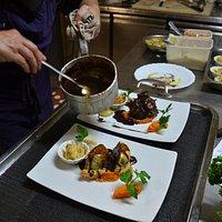 Des plats et sauces maisons préparés minute pour votre plus grand plaisir.