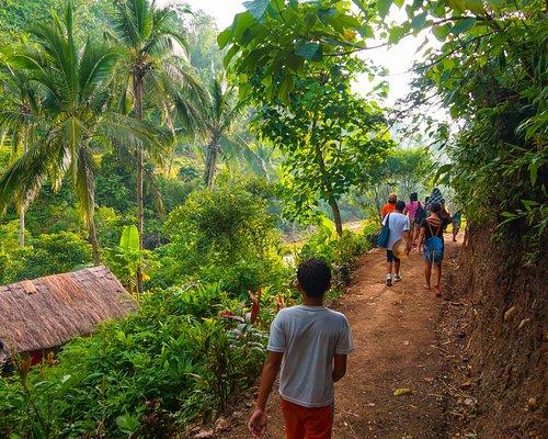 After a well deserved break, we keep trekking.