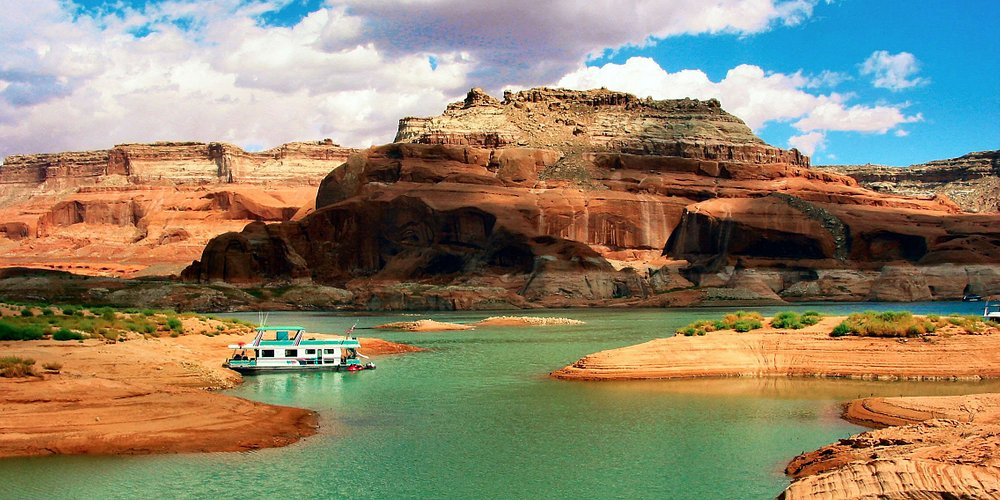 We service every lake in many states.  Enjoy our Lake Powell watercraft services anytime!