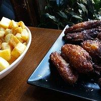 Patatas y alitas