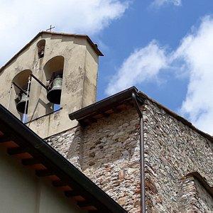 vista del caratteristico campanile a vela
