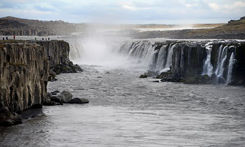 Looking upstream to Selfoss after walking from Dettifoss.