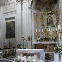 Una veduta interna della chiesa di Santa Maria della Luce a Trastevere