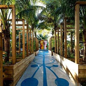 Edible garden & Berlin Wall Art pieces