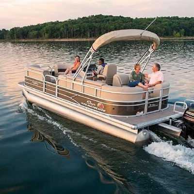 Our pontoon boats are a fun way to explore the Harris Chain of Lakes!